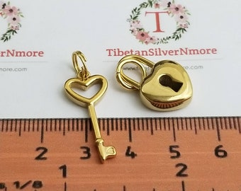 1 pairs per pack of Key 24x9mm and Padlock 22x18mm 5mm thickness Charm with jump ring Stainless steel.