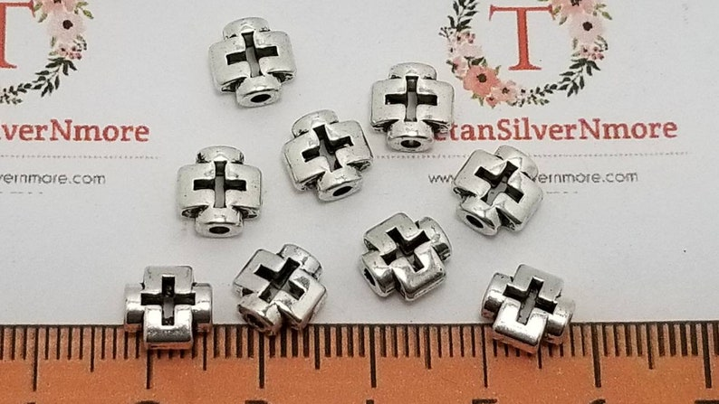 30 pcs per pack 8mm 3mm thickness 1.5mm hole Reversible Cutout image 0