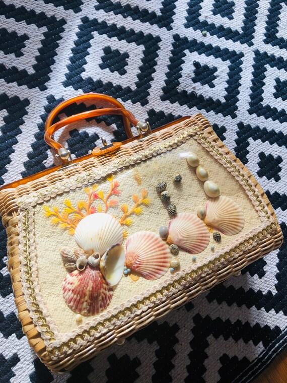 1950s 1960s wicker shell purse in fabulous conditi