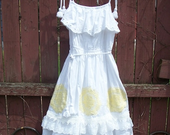 White Summer Flowergirl Dress with Yellow Doilies and Lace-Rope Details and Ruffles-Little Girls SIZE: MEDIUM 10/12