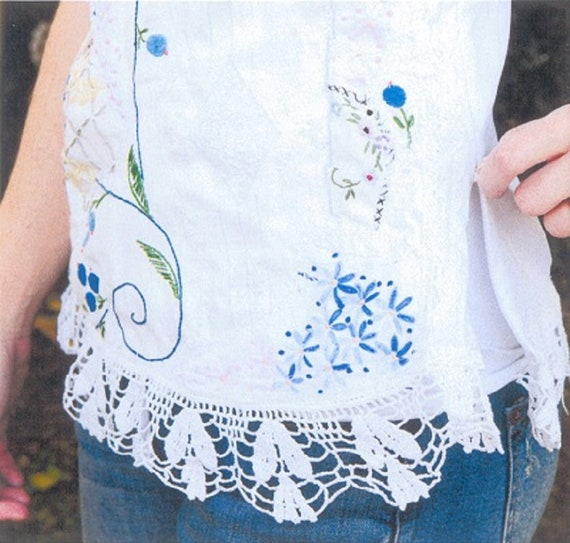 Lace Lace Size amp; Embroidery Peacock 4 Altered Couture Clothing Vintage Gypsy Small BOHO Blouse Upcycled Linens with Blouse Summer Pvfa1xnIwq