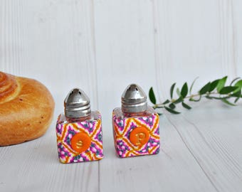 Sale!!Mini Salt and pepper shakers, Small salt and pepper, Unique salt and pepper, Table decor, Kitchen accessories, Serving Utensils