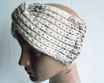 twisted headband. Knitted headband. ear warmer. Winter accessories. Twisted Ear Warmer. knit headband
