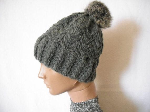 real fur pom pom hat. knit hat with pom pom. grey color.  1e1f81935e0