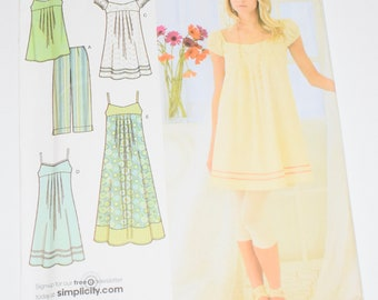 W0171 Simplicity Pattern New-other// Uncut