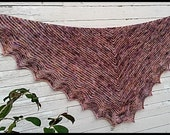 Pattern: Gotisch a written PDF File pattern from Star Fiber Studio for a triangular shawl