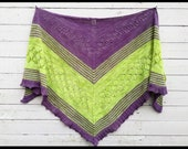Pattern: BlüttenBlätter a written PDF File pattern from Star Fiber Studio for a triangular shawl