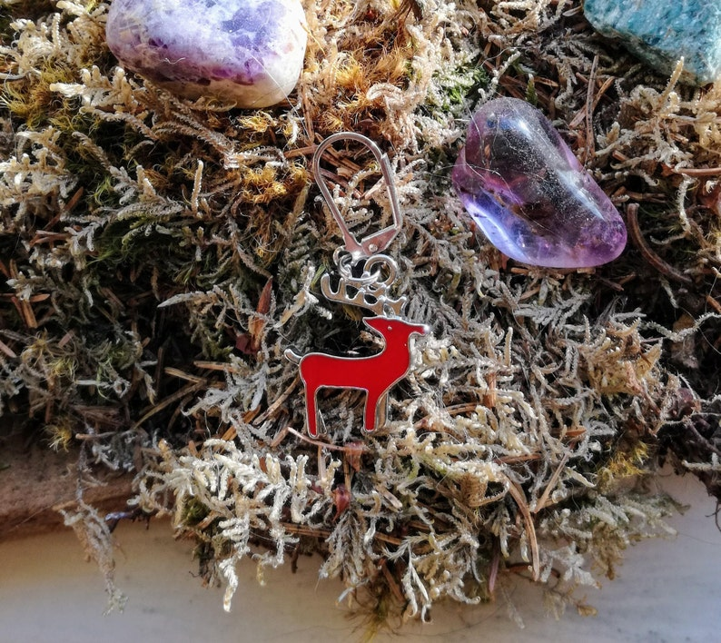 Red enamel reindeer: Stitch marker / Progress keeper by Star image 0