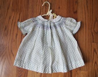 Vintage Baby/Girl Smocked Dress
