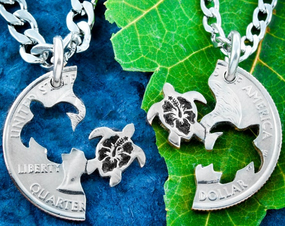Sea Turtle Best Friends Necklaces, Hibiscus Flowers Engraved in Turtles, BFF Gifts for 2, Relationship Puzzle Set, Hand Cut Coin
