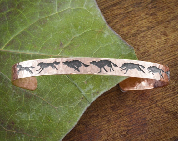 Copper Running Wolves Bracelet, Hammered Copper Cuff with Wolves, Men and Women Jewelry, 6mm Wide