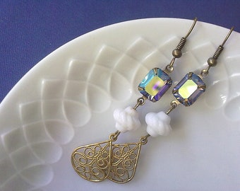 EMILY - vintage rhinestone earrings,filigree,stamping,rhinestone,white,light,blue,crystal,christmas,snowflake