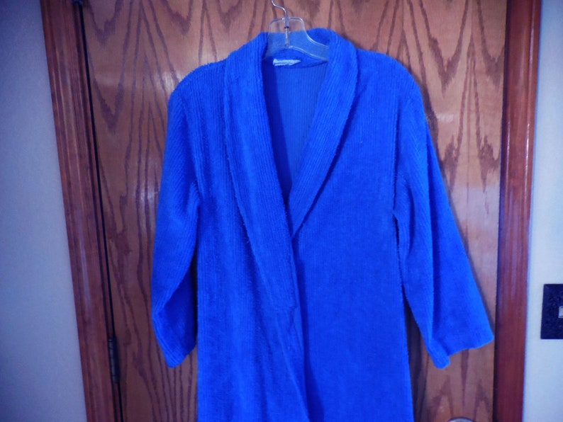 d13416780171e Vintage Royal BLUE Chenille ROBE - Dark Blue Chenille Line Design Vintage  Chenille BATHROBE - Free Shipping