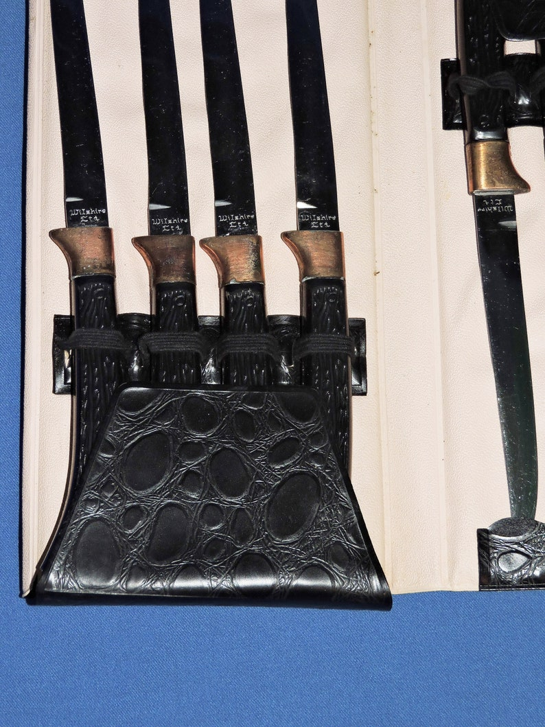 Vtg Wilshire LTd Knife Set 8 Stainless Steel Steak Knives Black Textured  Plastic Handle Copper Trim MCM