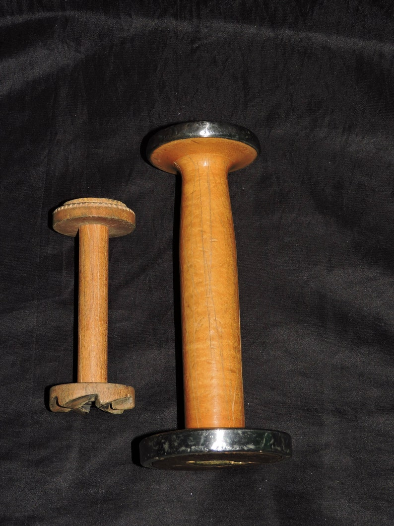 Antique Wooden Spools Lot 2 Industrial Weaving 7 in and 4 in Loom Thread Holder Home Craft Decor