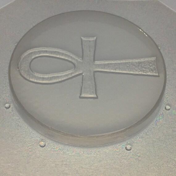 """Flexible Plastic Mold 2/"""" Diameter Engraved// Embossed Ankh Pendant"""