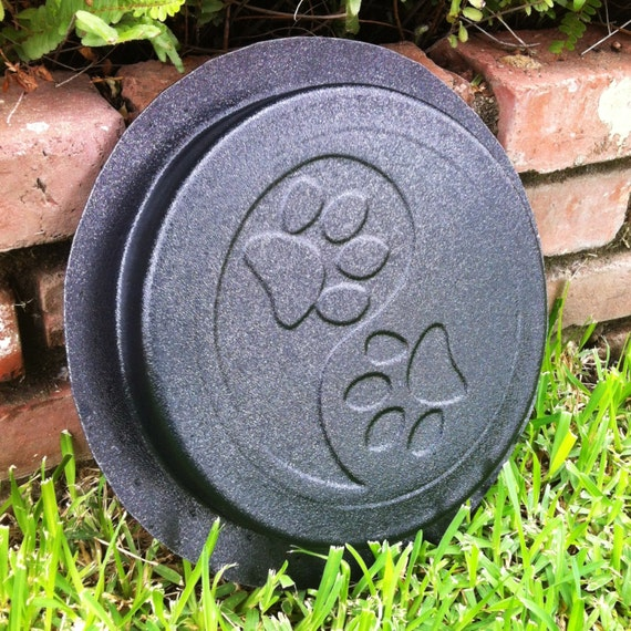 """/""""Yin Yang/"""" Handcrafted Stones Stepping Stone Garden Pathway//Patio Stones"""