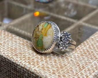 Royston turquoise ring with flower casting sterling silver size 8