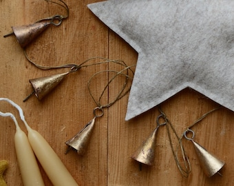 Brass Bell Christmas Garland - Rustic Winter Holiday Decorations