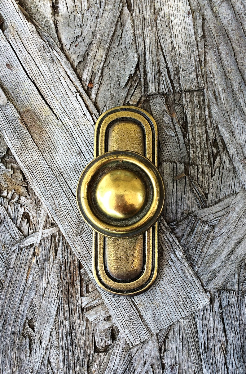 Picture of: Brass Drawer Pulls With Backplates Lot Of 13 Drawer Knobs Etsy