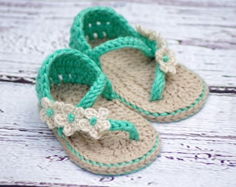 Crochet Baby Pattern Sandals - Carefree Sandals Quick and fast crochet pattern Two Girls Patterns kc550