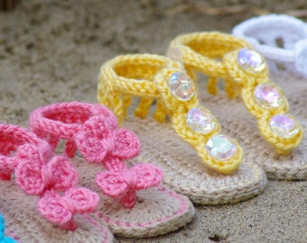 CROCHET PATTERN #211 Baby Sandal - 2 Versions and Free barefoot sandal pattern included with purchase - Instant Download kc550