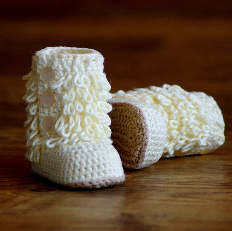 Baby Crochet Boots Pattern Loop-de-Boots Pattern number 200 Instant Download  kc550 Furrylicious Booties