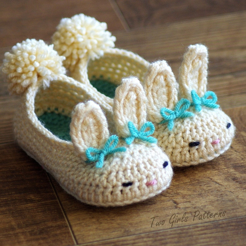 e01fad59b0f1d Toddler Bunny Slippers #214 Classic Bunny Slipper Crochet Pattern -  Childrens shoe Sizes 4 - 9 - Number 214 Instant Download kc550