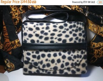 846783e9d9c6 Fun 1960 s Vintage Leopard Faux Fur Shoulder Handbag   Retro Rockabilly Mid  Century Purse   Old Hollywood Regency Glamour