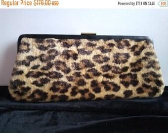 efacf056d42d On SALE 1960 s Vintage Leopard Faux Fur Signed Ingber Handbag   Retro  Rockabilly Mid Century Clutch Purse   Old Hollywood Regency Glamour