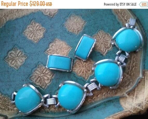 Vintage Aqua lucite jewelry set, chunky bracelet e