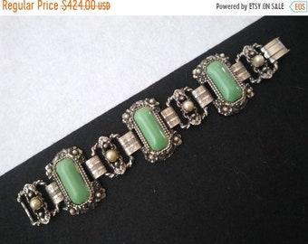 Vintage Green Stone Bracelet, Victorian Gothic, mid-century, Pearl bracelet, art deco bracelet, art deco jewelry, 1940s 1950s
