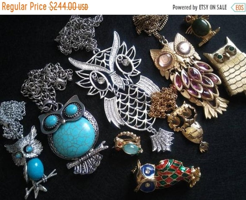 Lot of 10 Cute Owls rhinestone Pins Brooches Pendant image 0