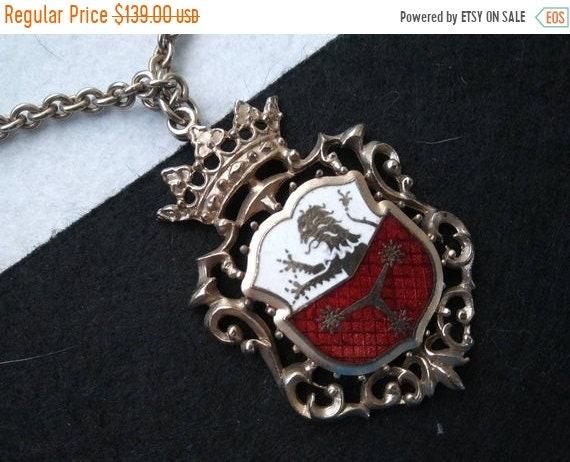 Vintage Crown lion dragon coat of arms Crest Shiel