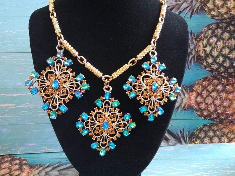 DODDS Designer Signed Vintage Bib Necklace 1960's Blue & image 0