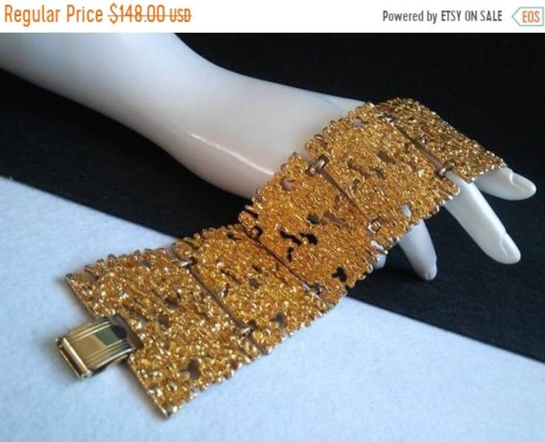 Celebrity Signed Bracelet  Designer Signed Quality Gold Tone image 0