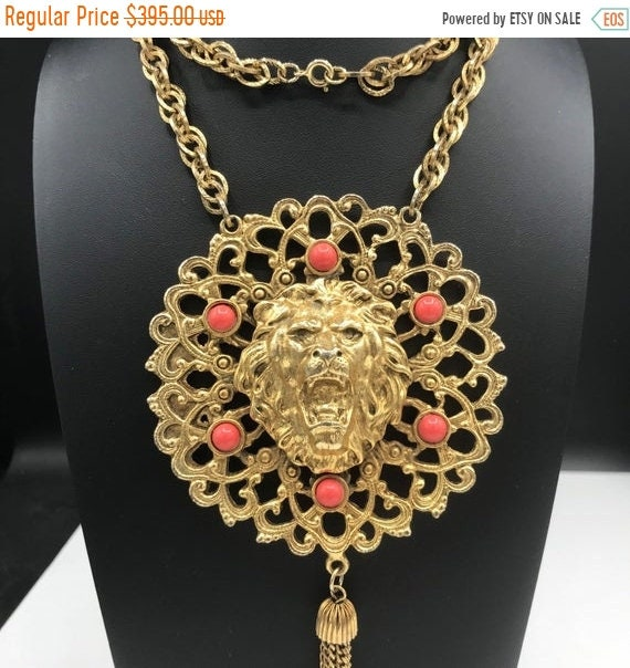 Vintage Goldtone Lucite late 1960s  early 1970s Zodiac Pendant Necklace