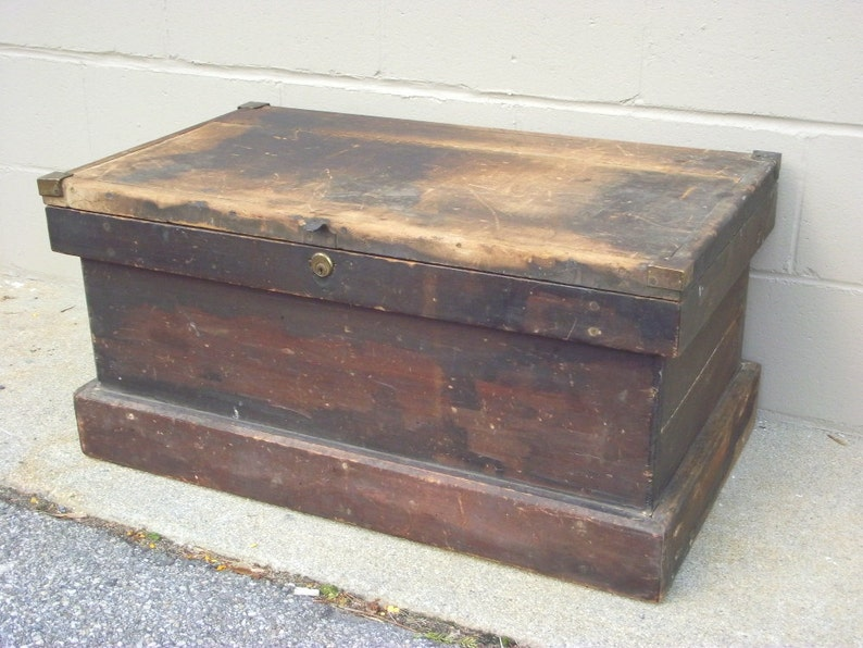 Antique Wooden Carpenter Tool Chest Box Tradesman Trunk Coffee Table Wood Primitive Industrial Functional Decor Storage
