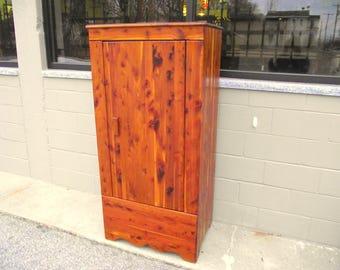 Genuine Solid CEDAR KINCAID Armoire Wardrobe Closet With Single Door   Full  Length   1940u0027s