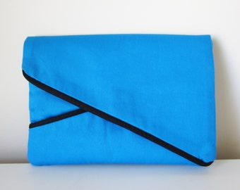 7 inch Tablet Case for Men and Women with Pocket and Flap in Blue