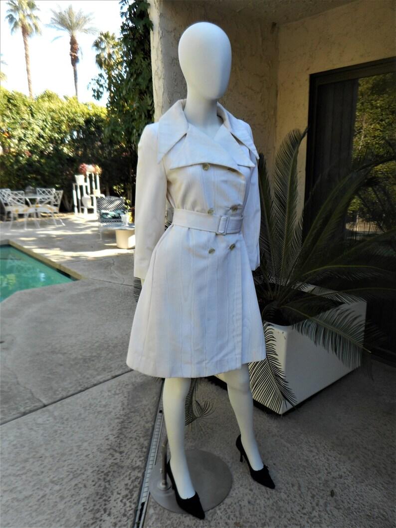 Size Medium Vintage 1970/'s Main Street Trench Style White Evening Coat