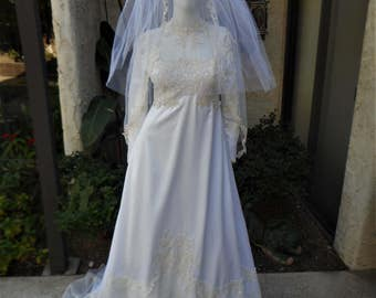 Vintage 1970's William Cahill Cream Empire Waist Wedding Dress and Matching Veil - Size 2