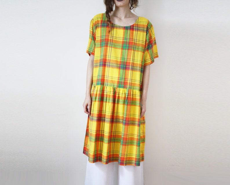 13e91bbcdf01 80s vintage bene vestito di cotone giallo con breve maniche