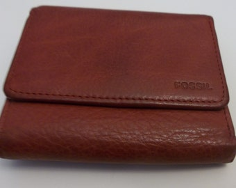 Fossil Red Leather Compact Wallet Approx. 4 X 3 1/2