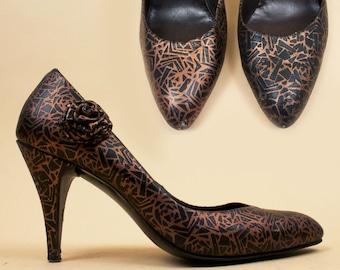 5144f3043b9 80s Vtg Metallic Bronze   Black High Heel Stiletto Pumps by Hermanos Aira    Geometric Embossed Pattern New Wave Disco Rosette 7.5 EU 38