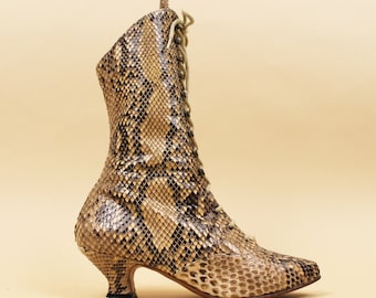64fb5a9eb65b 70s does Victorian Vtg Genuine SNAKESKIN Python Lace Up Ankle Boots   Jean  Gaborit Pointy Western Boho Fetish Glam Couture 6.5 Eu 36 37