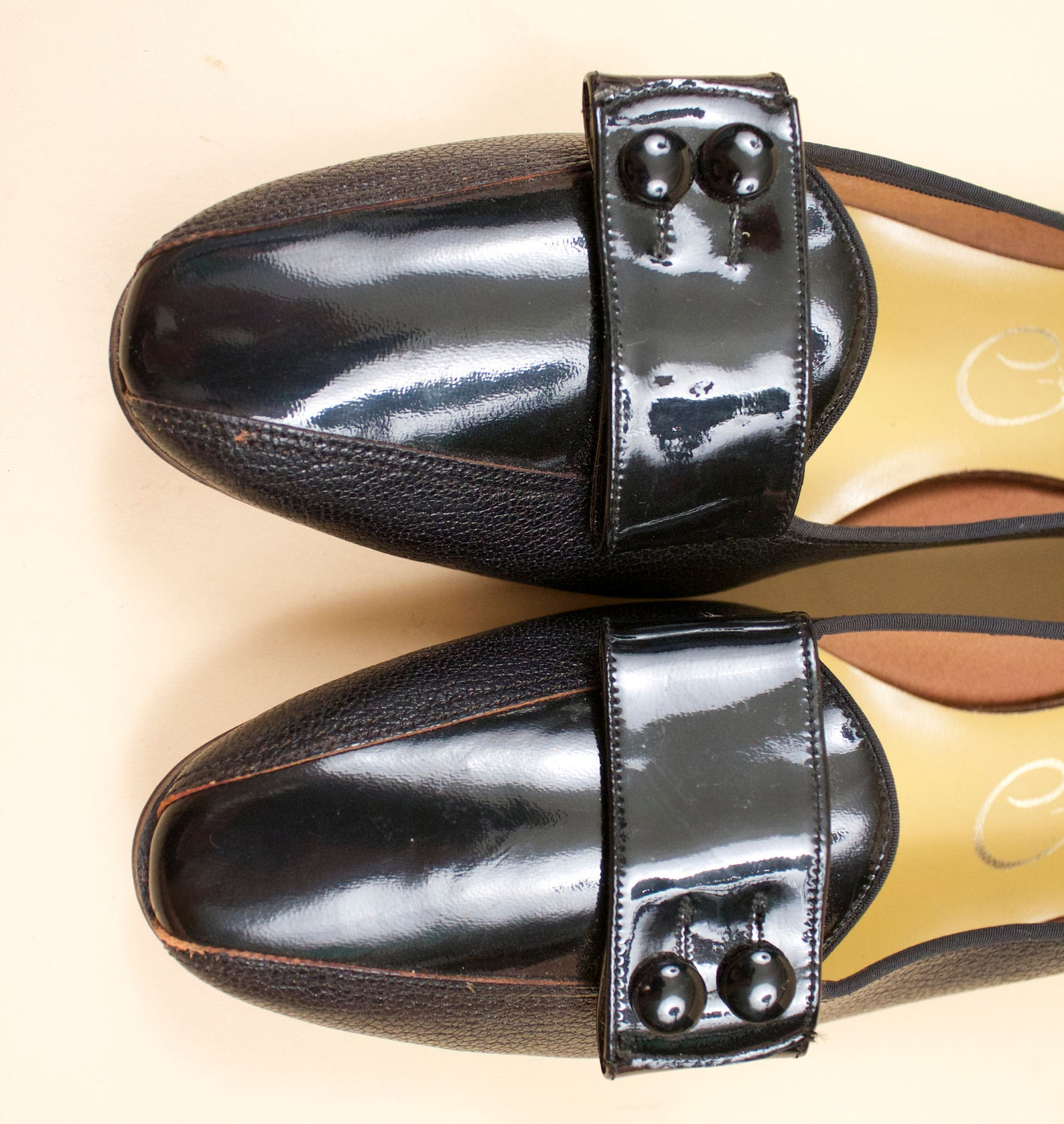 60s vtg deadstock leather & jet black vinyl pointed slip on low heel ballet slipper flats / mod gogo patent bow nwob 11.5 11 eu
