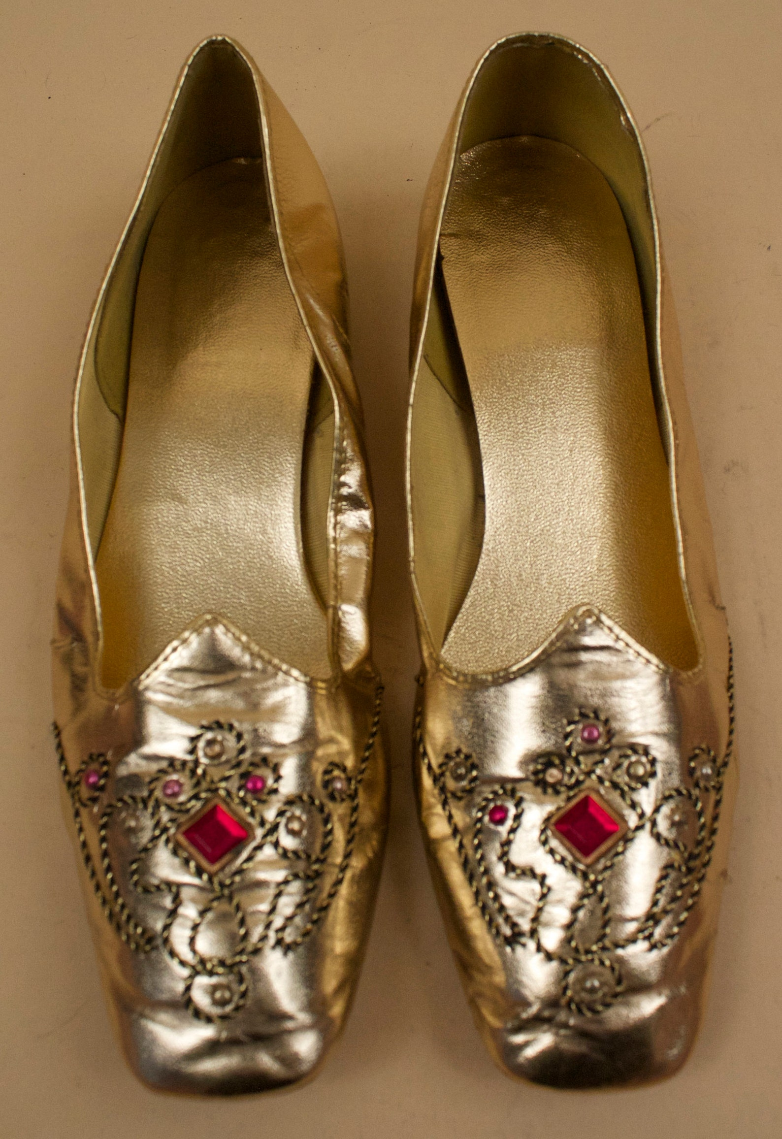 60s vtg gold metallic ruby gem studded slip on ballet flats / mod gogo east indian inspired hippie moccasin slipper 8 7.5 eu 38.