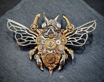 Steampunk Hornet : Sculptural jewelry Handcrafted Brooch and Pendant