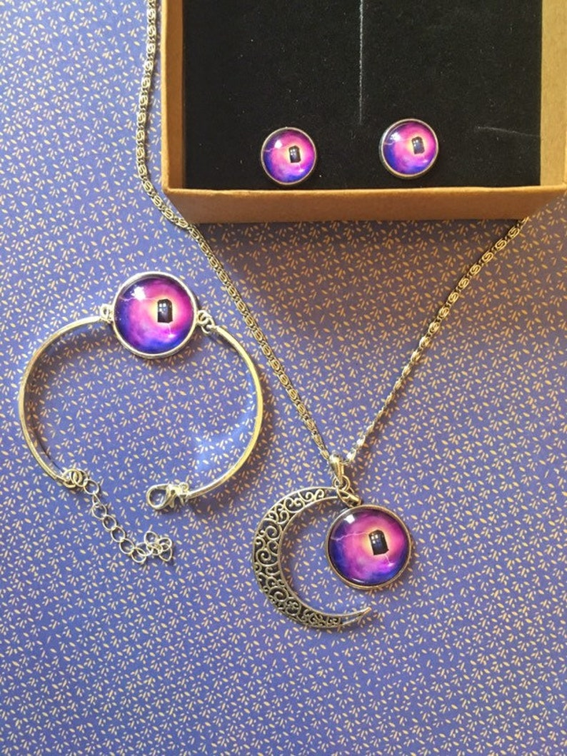 Pretty Doctor Who Tardis jewellery gift set bracelet earrings and necklace pendant whovians will love this Pink purple